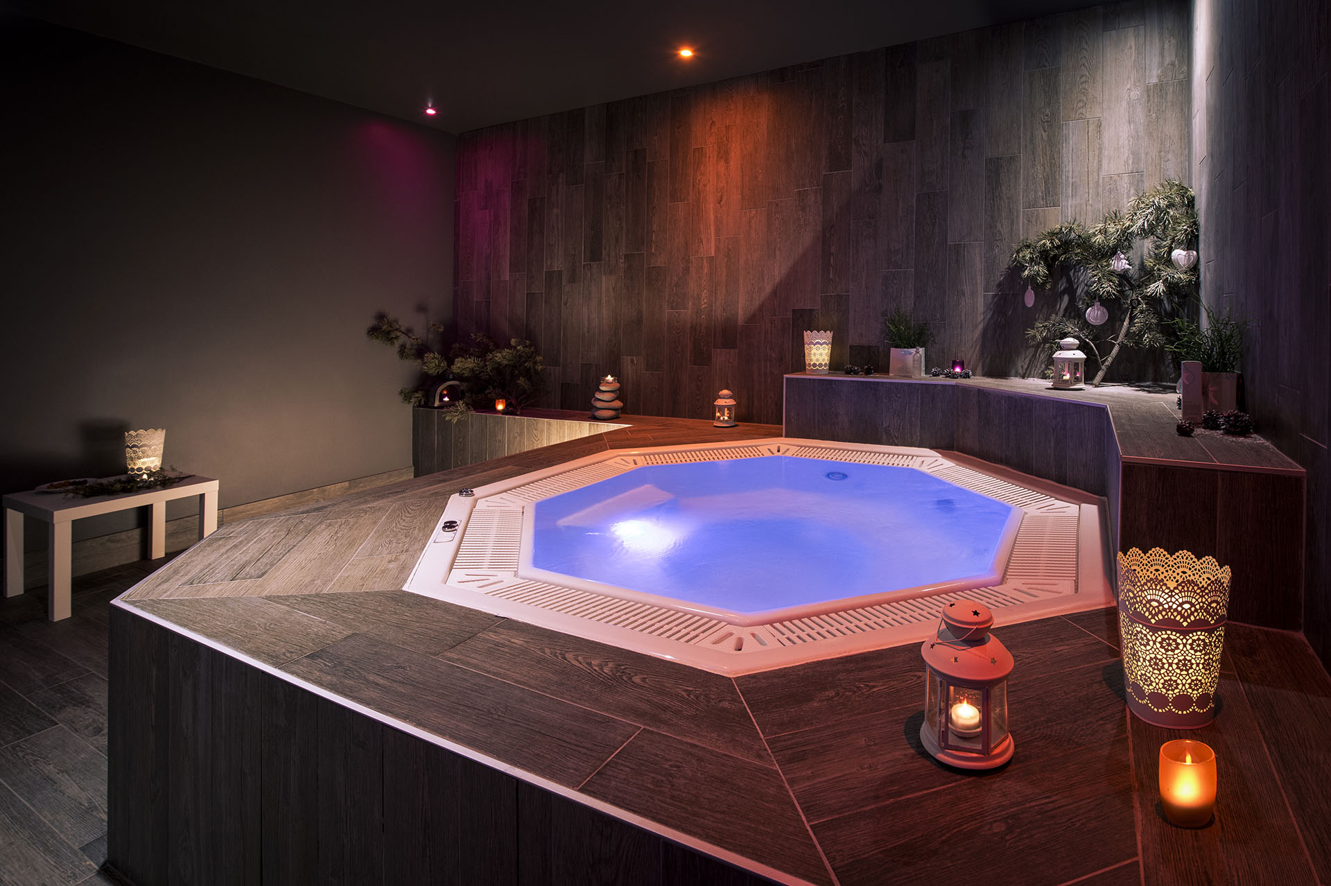 """Jacuzzi of the """"Pure Altitude"""" Spa"""